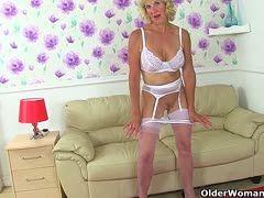 Vor der Webcam ist die Oma richtig Rattig